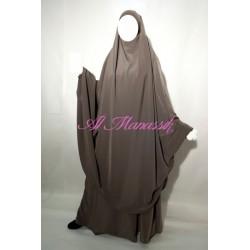 Jilbab al Manassik 2 pièces taupe avec jupe (peau de pêche)